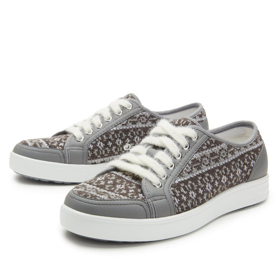 Lyriq Arctic Grey lace-up smart shoes with Q-chip™ technology. LYR-5098_S2