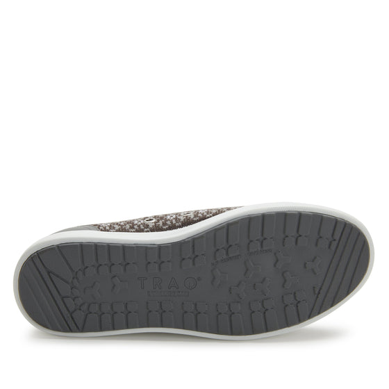 Lyriq Arctic Grey lace-up smart shoes with Q-chip™ technology. LYR-5098_S6