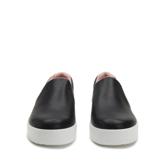 On-Q slip on style smart shoes with Q-chip™ technology. ONQ-5003_S7