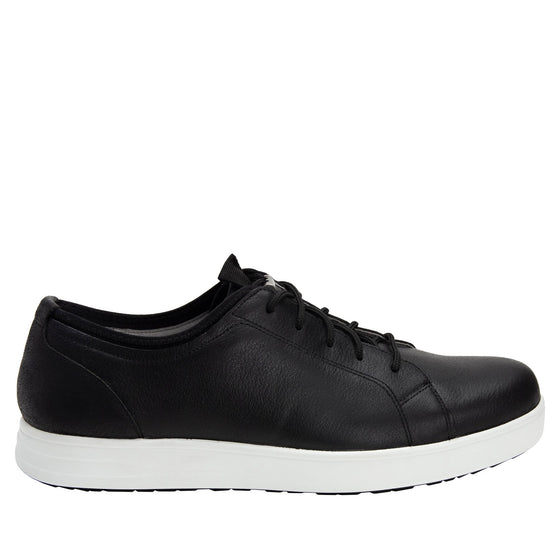 Qake Black leather smart shoes with Q-chip™ technology. QAK-M7002_S2
