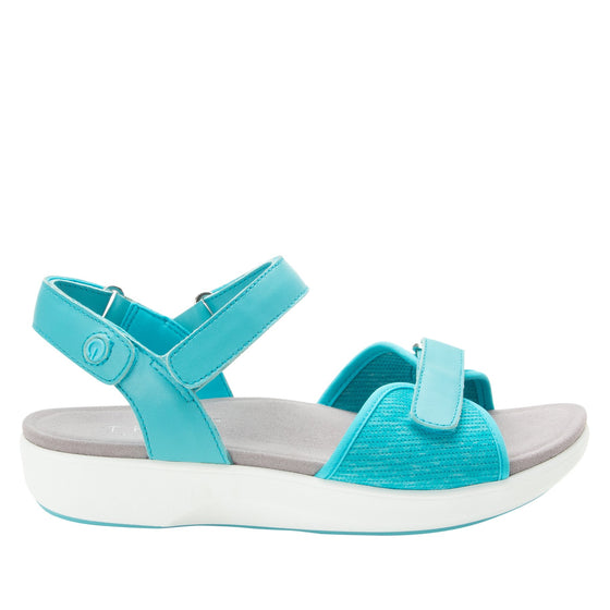 Qali Aqua three adjustable strap sandal with Q-chip™ technology. QAL-5439_S2