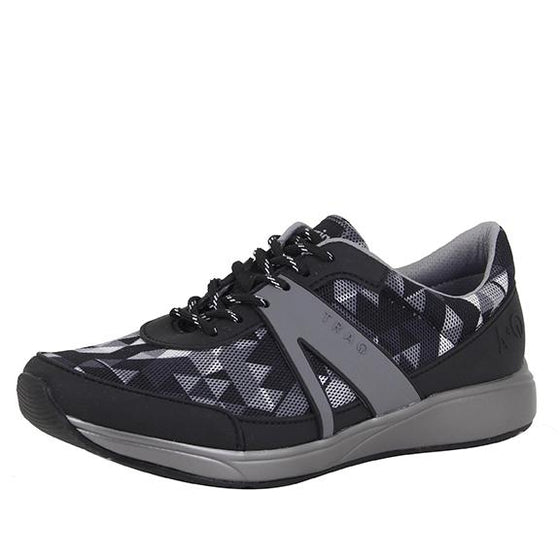 Qarma Right Angle Grey smart shoes with q-chip technology. QAR-5021_S1