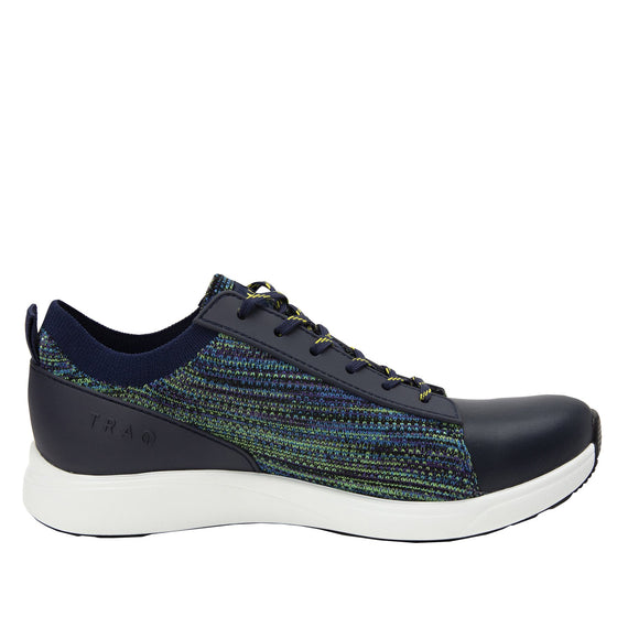 Qest Multiplex Green lace-up smart shoes with Q-chip™ technology. QES-5018_S2