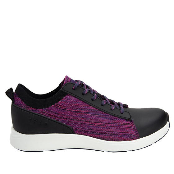 Qest Multiplex Magenta lace-up smart shoes with Q-chip™ technology. QES-5650_S2