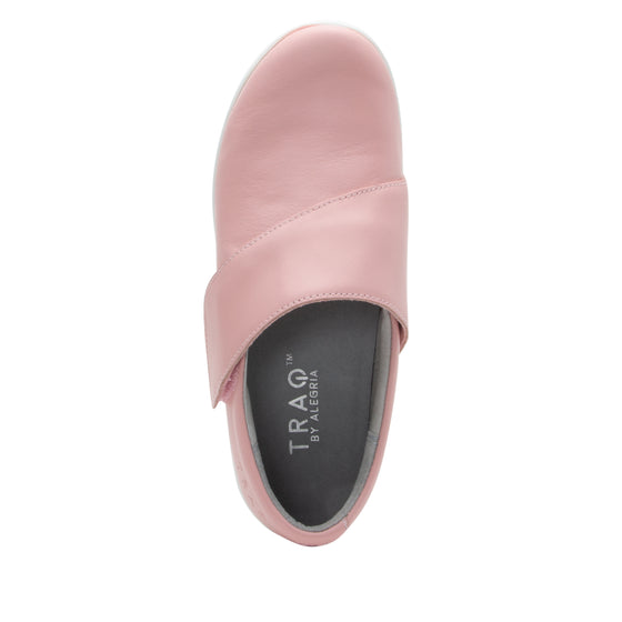 Qin Blush smart slip on shoes with Q-chip™ technology. QIN-5650_S4