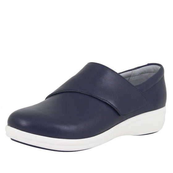 Qin Navy Butter smart slip on shoes with Q-Chip technology. QIN-622_S1
