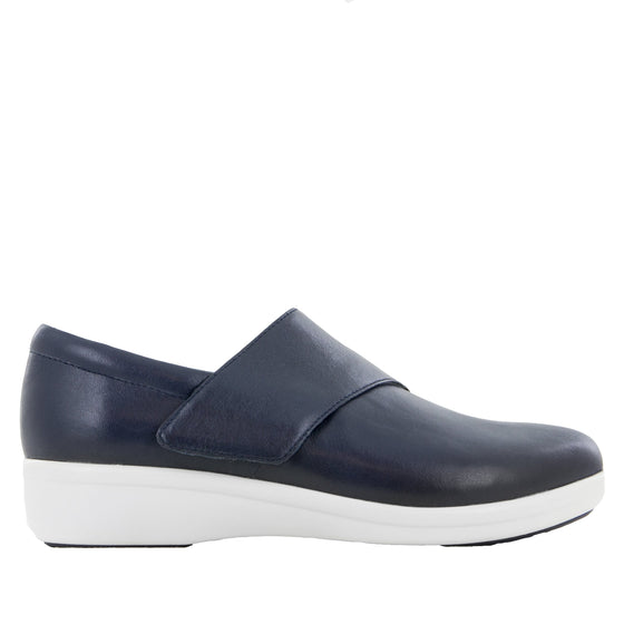 Qin Navy Butter smart slip on shoes with Q-Chip technology. QIN-622_S2