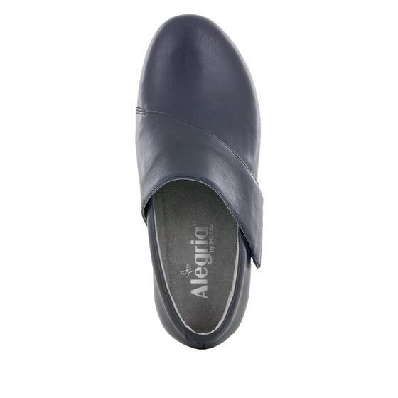 Qin Navy Butter smart slip on shoes with Q-Chip technology. QIN-622_S4