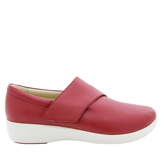 Qin Red Butter smart slip on shoes with Q-Chip technology. QIN-645_S2