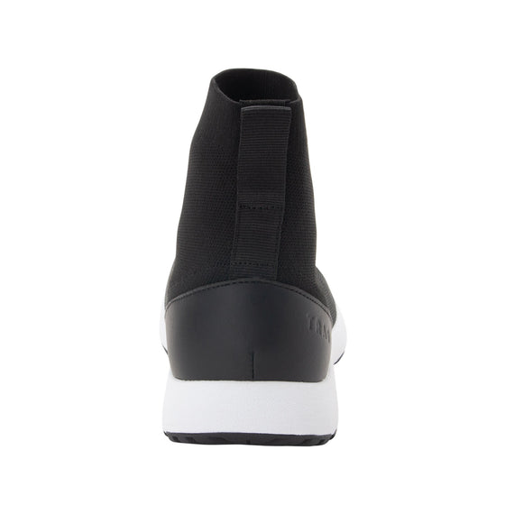 Qirk Black smart shoes with Q-chip™ technology. QIR-5002_S3
