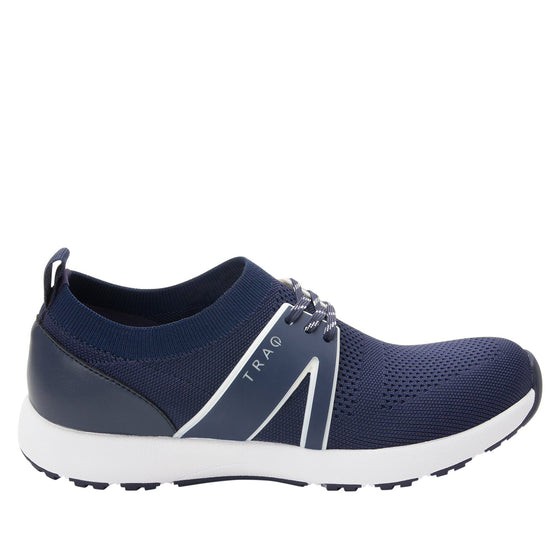 Qool Navy smart shoes with Q-chip™ technology. QOO-5410_S2