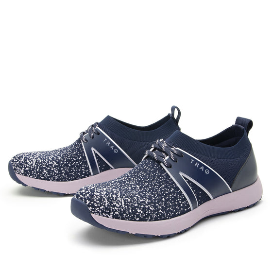 Qool Lavender smart shoes with Q-chip™ technology. QOO-5530_S2
