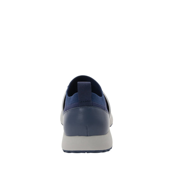 Qool Navy lace-up smart shoes with Q-chip™ technology. QOO-M7410_S3