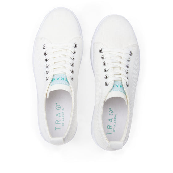 Qruise lace-up smart shoes with Q-chip™ technology. QRU-5100_S5