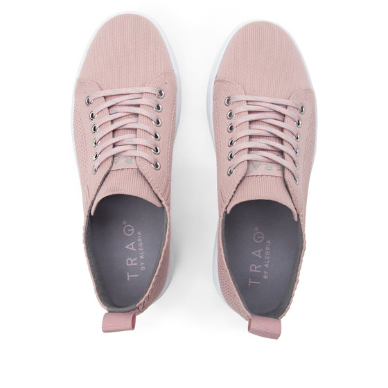 Qruise lace-up smart shoes with Q-chip™ technology. QRU-5530_S5