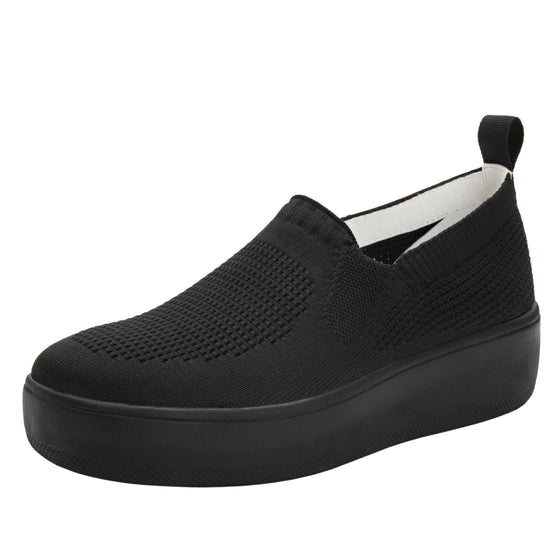 Qaravan slip on style smart shoes with Q-chip™ technology. QRV-5001_S1