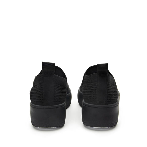 Qaravan slip on style smart shoes with Q-chip™ technology. QRV-5001_S4