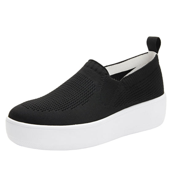 Qaravan slip on style smart shoes with Q-chip™ technology. QRV-5002_S1
