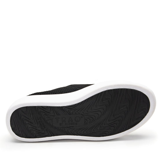 Qaravan slip on style smart shoes with Q-chip™ technology. QRV-5002_S6