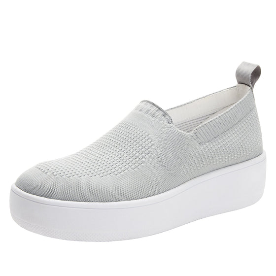 Qaravan slip on style smart shoes with Q-chip™ technology. QRV-5030_S1