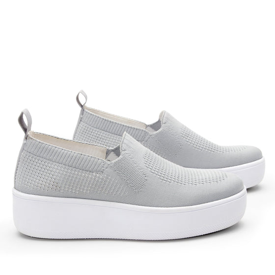 Qaravan slip on style smart shoes with Q-chip™ technology. QRV-5030_S3