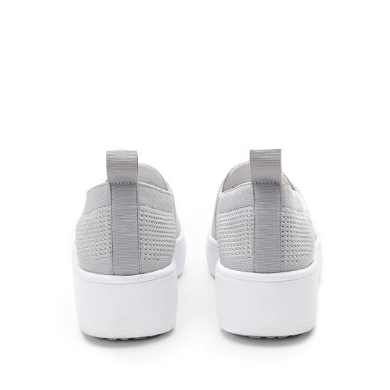 Qaravan slip on style smart shoes with Q-chip™ technology. QRV-5030_S4