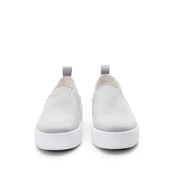 Qaravan slip on style smart shoes with Q-chip™ technology. QRV-5030_S7