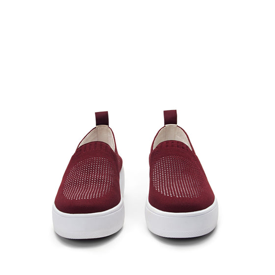 Qaravan slip on style smart shoes with Q-chip™ technology. QRV-5601_S7