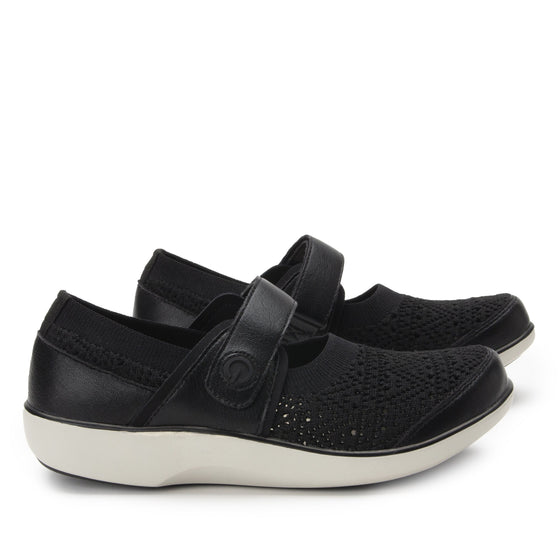 Qutie Crochet Black mary jane smart shoes with Q-chip™ technology. QUT-5003_S3