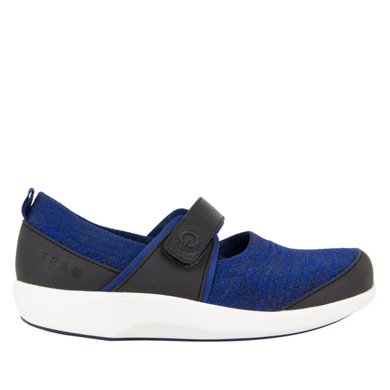 Qutie Blue smart slip on shoes with Q-chip™ technology. QUT-5493_S2