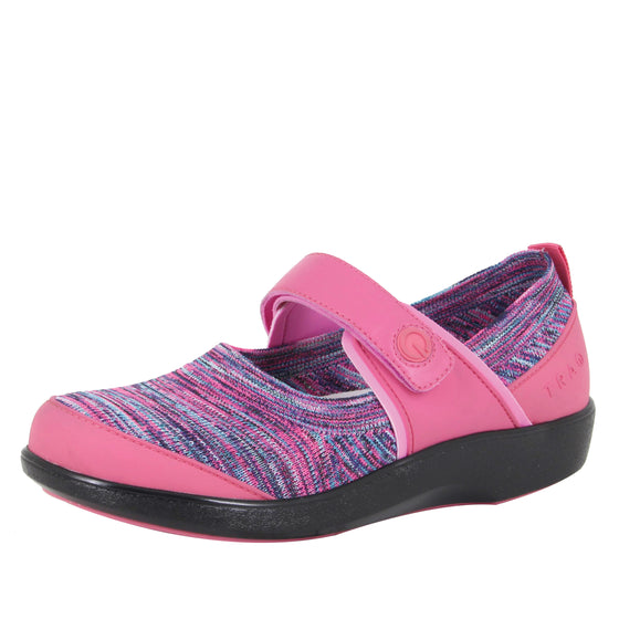 Qutie Pink smart slip on shoes with Q-Chip technology. QUT-5690_S1