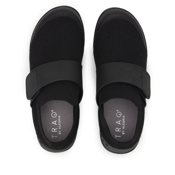 Qwik black out smart shoes with Q-chip™ technology. QWI-5002_S5