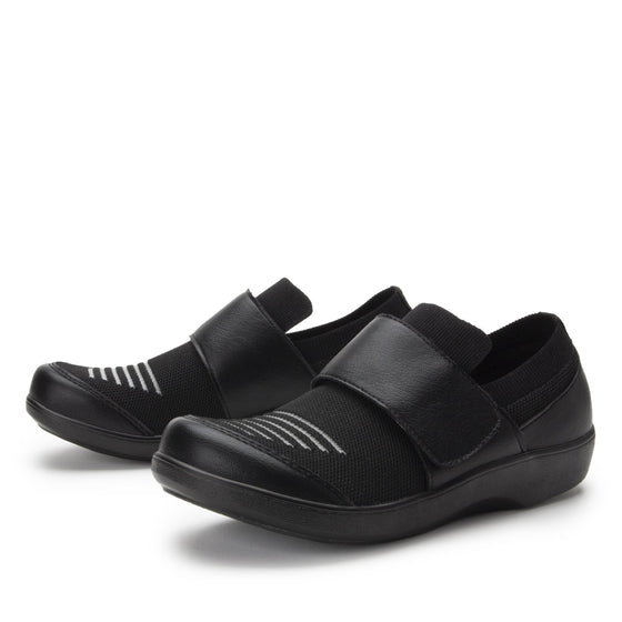 Qwik Peeps Black slip on smart shoes with Q-chip™ technology. QWI-5005_S2