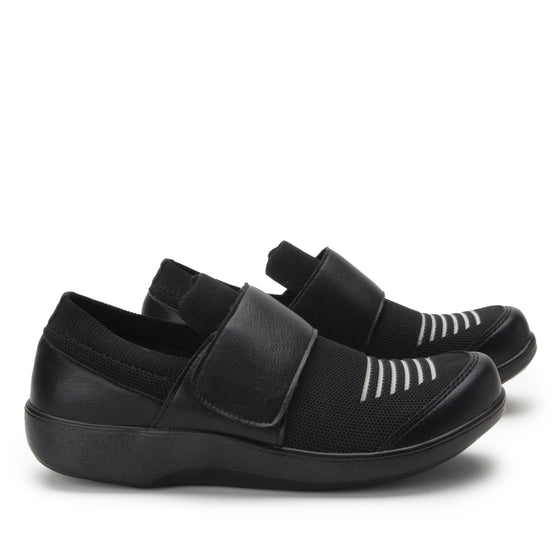 Qwik Peeps Black slip on smart shoes with Q-chip™ technology. QWI-5005_S3