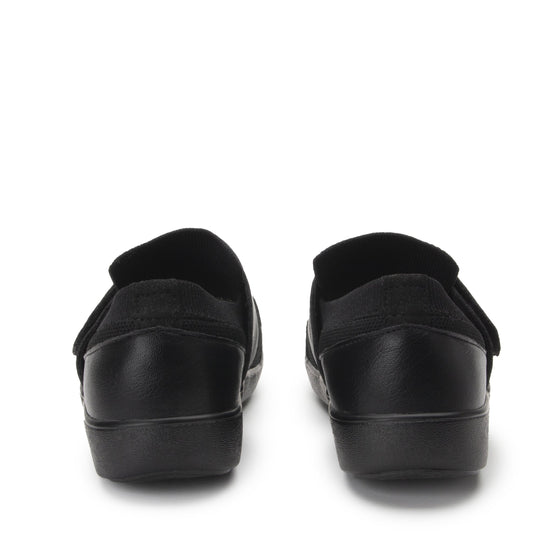 Qwik Peeps Black slip on smart shoes with Q-chip™ technology. QWI-5005_S4