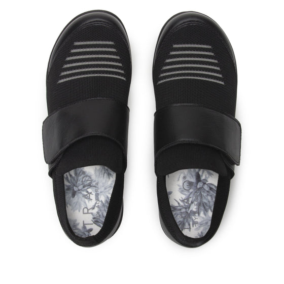 Qwik Peeps Black slip on smart shoes with Q-chip™ technology. QWI-5005_S5