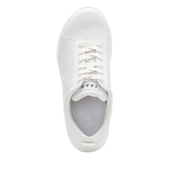 Qest Perf White lace up smart shoes with q-chip technology. QES-5100_S4