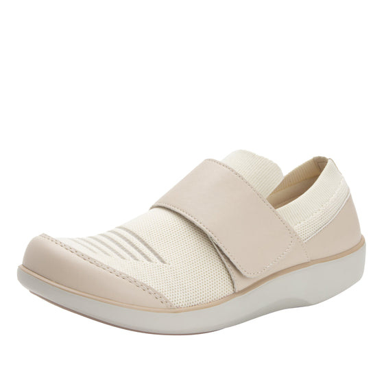 Qwik Peeps Cream slip on smart shoes with Q-chip™ technology. QWI-5102_S1