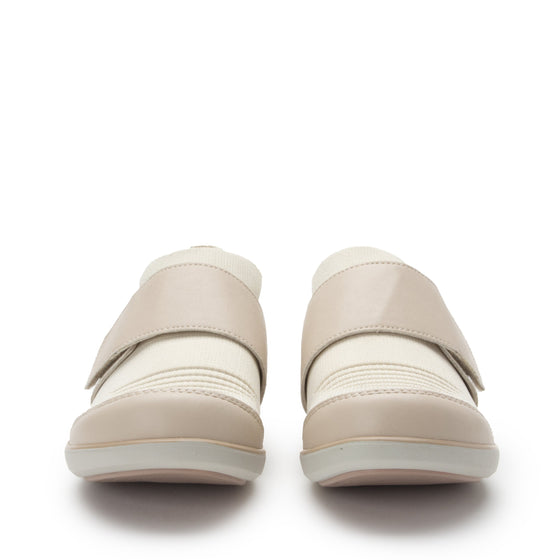 Qwik Peeps Cream slip on smart shoes with Q-chip™ technology. QWI-5102_S7