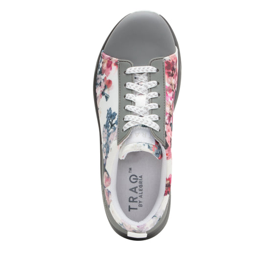 Qest Fauna lace up smart shoes with q-chip technology. QES-5195_S4