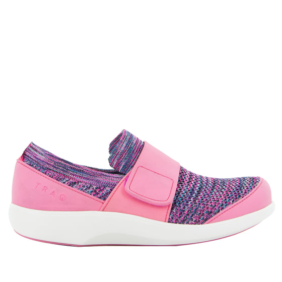 Qwik Pink smart shoes with q-chip technology. QWI-5696_S2