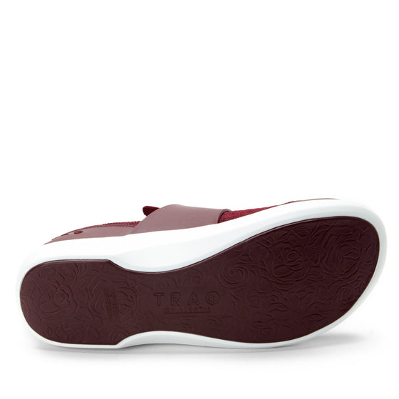 Qwik Wine Waves slip on smart shoes with Q-chip™ technology. QWI-5901_S5