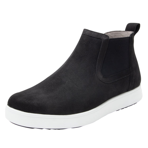 Sliq smart slip-on boot that has the comfort of your favorite sneaker. SLI-M7002_S1