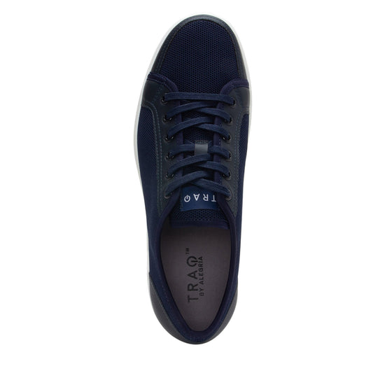 Sneaq comfort smart sneaker with q-chip technology. SNE-M7410_S4