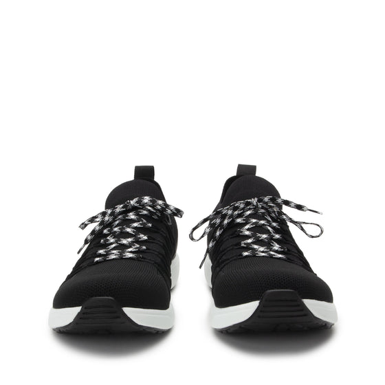 Synq 2 Black Top smart shoes with Q-chip™ technology. SY2-M7002_S7