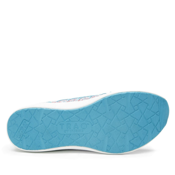 Synq Aquamarine smart shoes with Q-chip™ technology. SYN-5440_S6