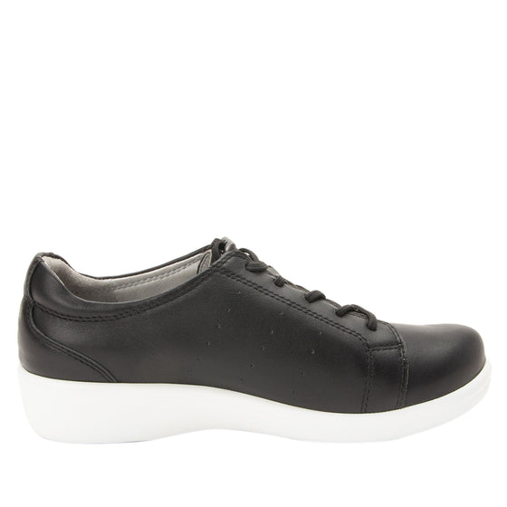 Cliq Black lace up smart shoes with Q-Chip technology. CLI-5001_S2