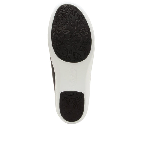Cliq Black lace up smart shoes with Q-Chip technology. CLI-5001_S5