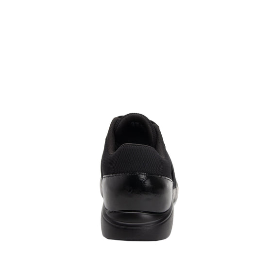 Qarma Black Diamond smart shoes with Q-chip™ technology. QAR-5019_S3