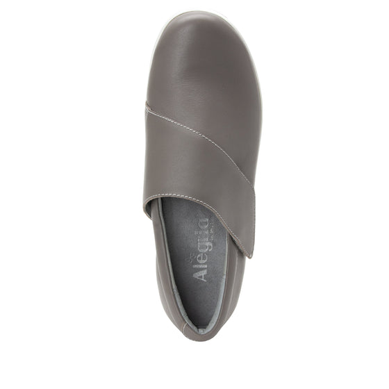 Qin Dove smart slip on shoes with Q-Chip technology. QIN-5035_S4